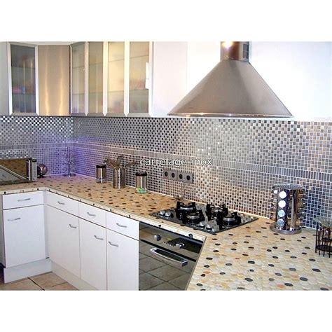 cuisine bois et inox mosaïque inox 1m2 crédence cuisine carrelage damier 20