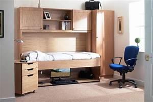 Jugendzimmer Bett : jugendzimmer m bel platzsparendes bett und schreibtisch ~ Pilothousefishingboats.com Haus und Dekorationen