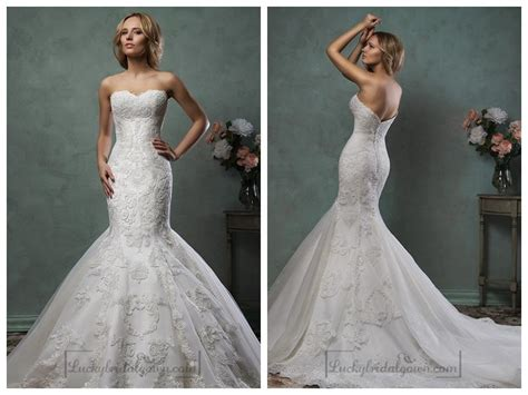 Scallop Sweetheart Neckline Lace Embroidery Stunning