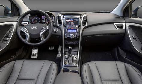 hyundai elantra se exterior interior engine