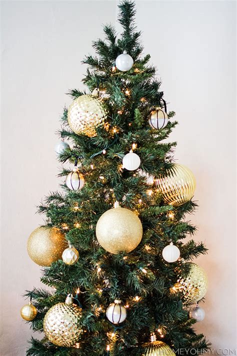 large christmas tree decorating balls pictures to pin on