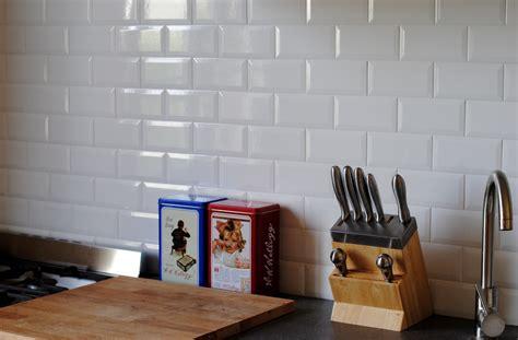 credence cuisine carrelage metro diy crédence cuisine métro mmaxine diy déco et lifestyle