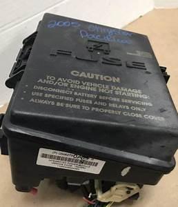 Fuse Block Box Power Relay 2005 Chrysler Pacifica