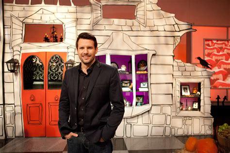 Halloween Wars Host 2015 food network s halloween wars is back in an all new