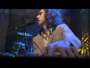 Maroon 5 - Secret - Live from Le Cabaret HQ - YouTube