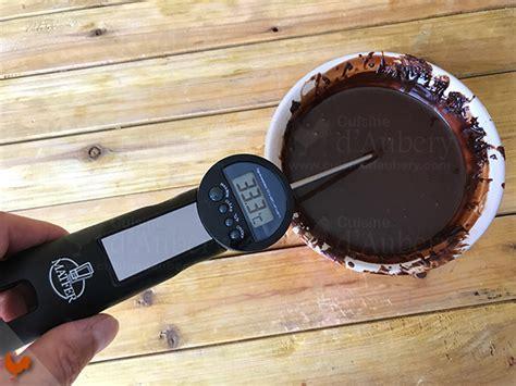les recettes de la cuisine de asmaa le glaçage miroir chocolat pour éclairs de christophe adam