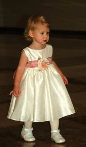 Little girl dresses for weddings pictures ideas guide to for Little girl dresses for wedding
