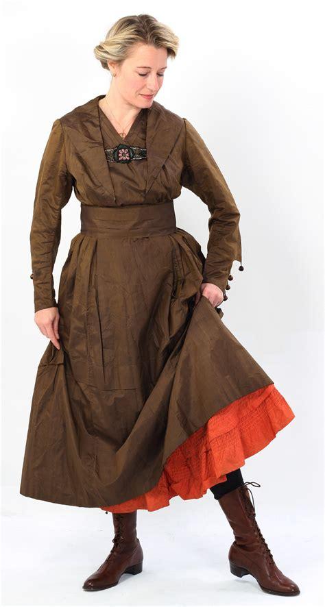 lucy adlington models  ww brown silk day dress