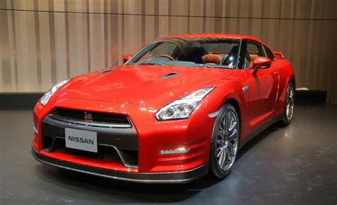 nissan gt   leaked images   edition sassy  socialite