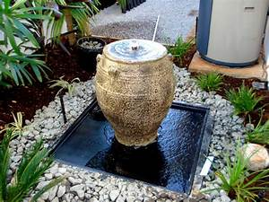 Urn, 3, Water, Feature