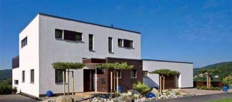 ᐅ Plettenberg  Haus Am Hang, Schnörkellose Formensprache