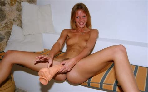 Injected 18 years pussy - Real German Teen- and MILF ...
