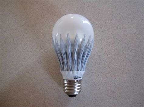 longevity of light bulbs and how to make them last longer