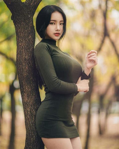 Meet the Korean Model Breaking the Internet With Her Unbelievable Curves