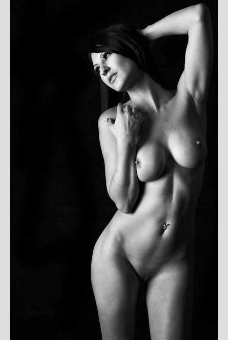File:Art nude.jpg