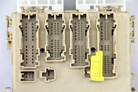 2011 Scion Tc Fuse Box by Scion Tc Interior Dash Relay Fuse Box 11 16 89221