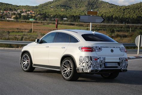 From the outside, the heavily contoured power dome design hints at the immense power delivery. Lastcarnews: Mercedes-Benz GLE 63 AMG Coupe Spied In Production-Ready Clothes