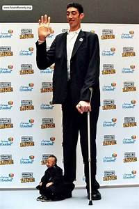 Tallest and Shortest Men Sultan Kosen, world's tallest man ...