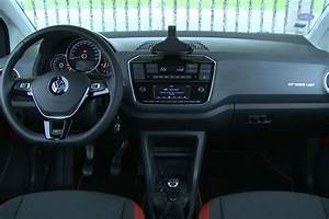 Volkswagen Up Automatique : essai volkswagen up 1 0 90 cross up auto plus 13 ~ Melissatoandfro.com Idées de Décoration