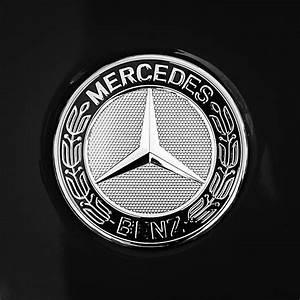 Mercedes Benz Emblem : mercedes benz 6 3 gullwing emblem photograph by jill reger ~ Jslefanu.com Haus und Dekorationen