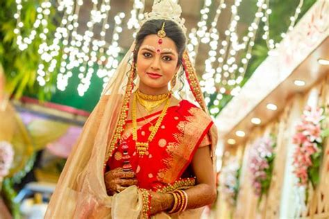 traditional red wedding saree