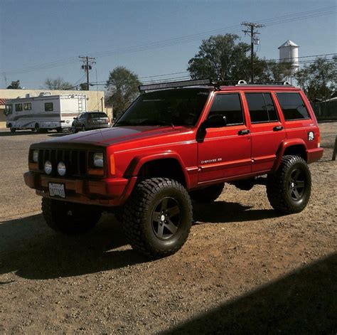 jeep xj lifted jeep xj color rims lift everything jeep xj
