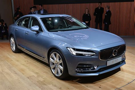 volvo  starts     sale  summer