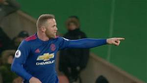 Wayne Rooney 'committed' to Manchester United after ...