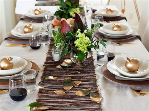 Modern Table Setting Ideas  Freshome. Craft Ideas Driftwood. Pumpkin Carving Ideas Dinosaurs. Small Apartment Ideas Design. Landscape Ideas Small Yard. Drawing Ideas Names. Display Ideas Preschool. Wooden Bench Plane Plans. Bathroom Designs For The Elderly