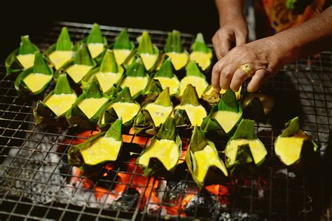 essential guide  cooking  banana leaves