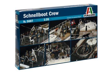 Italeri Pt Boat Crew by Italeri Models 1 35 Wwii S 100 Schnellboot Torpedo Boat