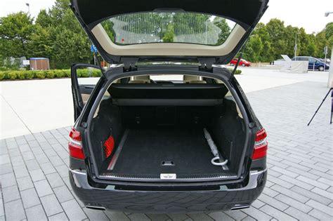 Der hebt sich wie üblich mit eigenständiger front. Mercedes-Benz E-Klasse, Kofferraum : Mercedes-Benz E-Klasse T-Modell W212, Bildergalerie ...