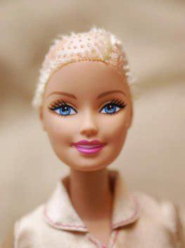 Die Barbie Bekommt Eine Glatze Artikelmagazin