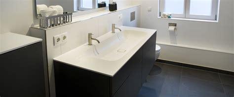 Waschtisch Modelle Fuers Badezimmer by Vormauerung Edelstahlschiene Bad Badezimmer