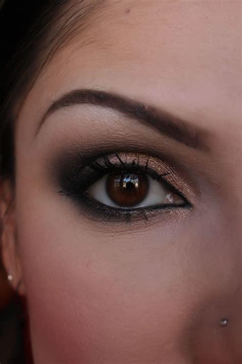 artist  black  shimmery nude smokey eye
