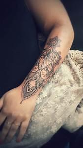 Tatoo Femme Bras : tatouage loup avant bras lemaisonfresh ~ Farleysfitness.com Idées de Décoration