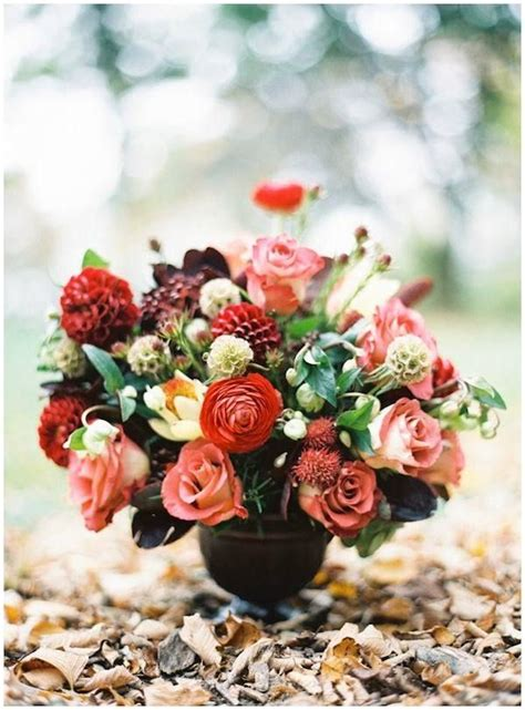 autumn wedding flowers  burgundy details