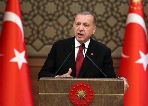 Erdogan a été dans l'obligation de faire alliance avec l'extrême droite nationaliste turque afin de pouvoir garder une majorité parlementaire et tenter le chômage en turquie est passé à 13,4% en juin, en hausse de 0,4 point de pourcentage par rapport au même mois de l'année dernière, a. Turquie: Erdogan dévoile un nouveau cabinet avec son ...