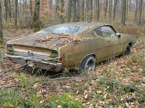 Best 25+ Abandoned Cars Ideas Only On Pinterest Rusty