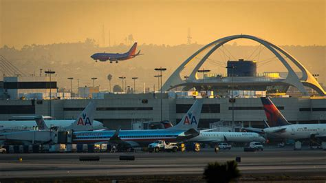 #larain Lax Cancels Nearly 30 Flights, Delays Hundreds