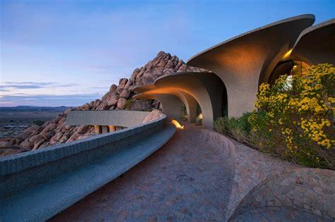 sci fi style desert house  sale  california