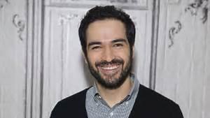 El actor Alfonso Herrera filmó una sexy escena gay, en ...