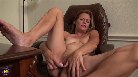 47yo American Mom Indigo Feeding Her Kitty Free Hd Porn Db