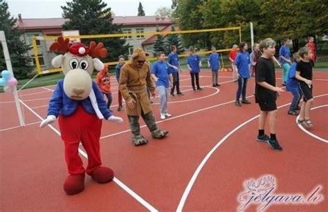 Jauns sporta laukums pie Jelgavas 1. internātpamatskolas