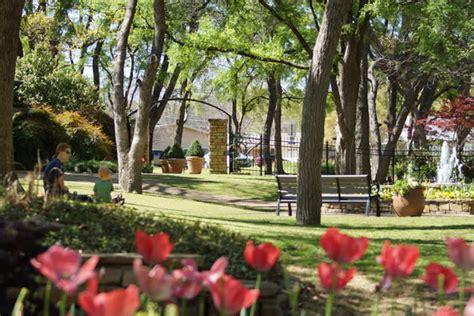 lake farm park christmas events grapevine botanical gardens at heritage park
