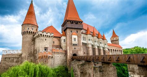 corbin castle corvin castle romania unique places around the world worldatlas com