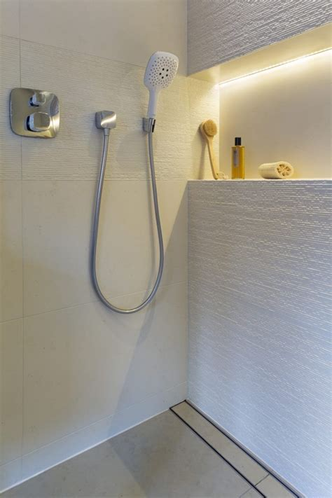 Dusche Mit Led Beleuchtung by Indirekte Beleuchtung Led Badezimmer Led Streifen