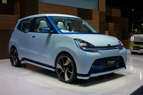 daihatsu presents    concept kei cars  tokyo
