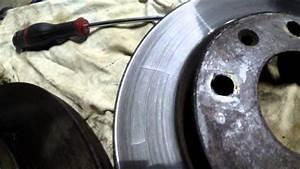 Disque Frein Usé : tutoriel m canique comparaison entre disque de frein us et disque neuf youtube ~ Maxctalentgroup.com Avis de Voitures