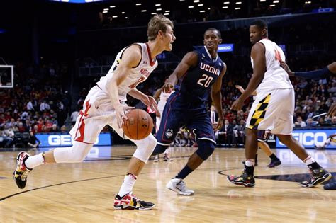 maryland  face uconn  jimmy  classic